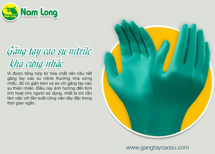 Găng tay cao su nitrile khá cứng nhắc