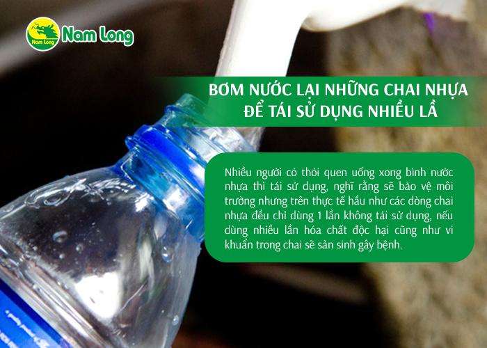 Bơm nước lại những chai nhựa để tái sử dụng nhiều lầ - 04